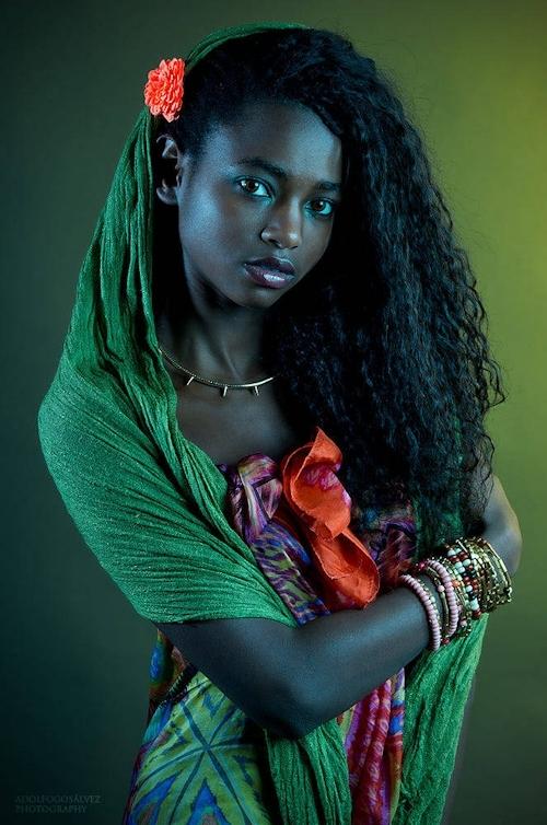 アフリカン美女モデル Daiena Silva Gomes ヌード画像 1