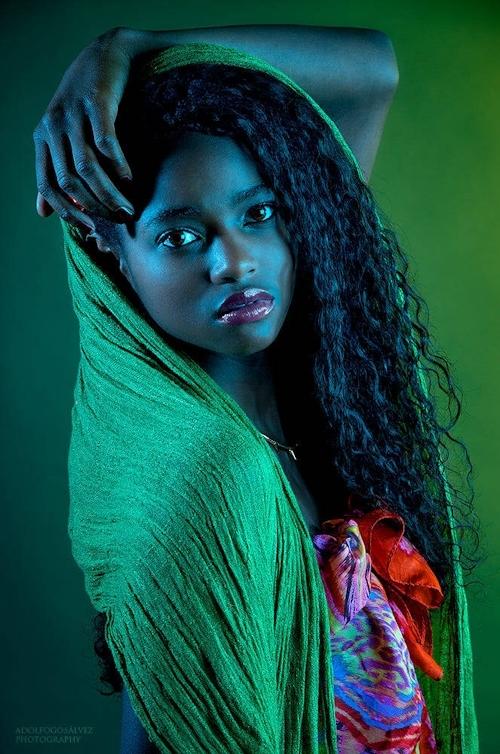 アフリカン美女モデル Daiena Silva Gomes ヌード画像 2