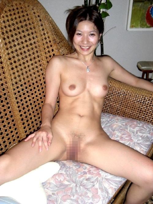 素人女性ビーチ野外露出ヌード画像 12