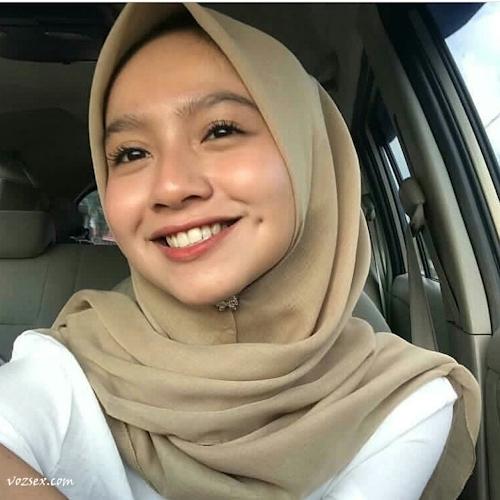 マレーシアのきれいなお姉さん系素人美女の自分撮りヌード画像 1