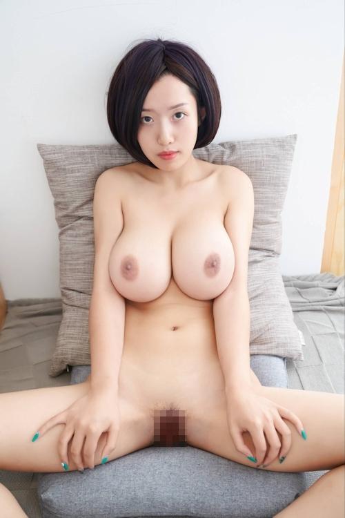 美爆乳美女のヌード画像 16