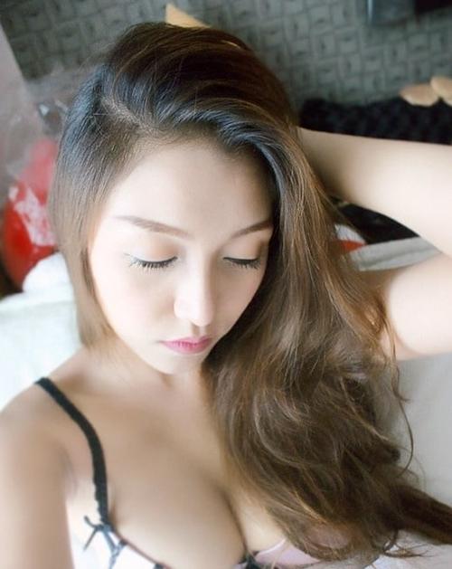 タイのオシャレな素人美女の自分撮りヌード流出画像 4