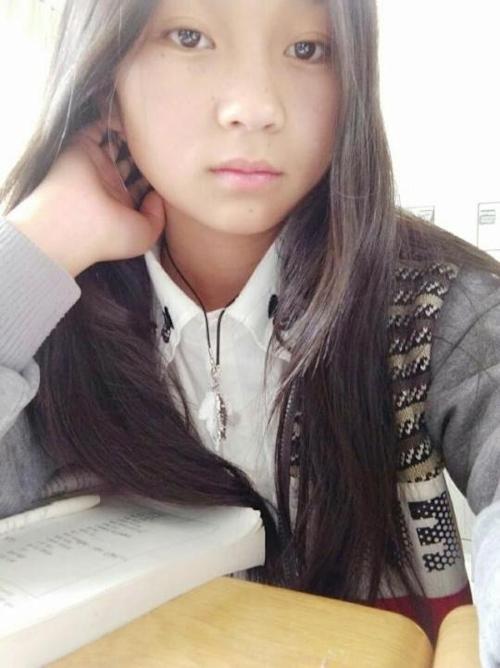 純情美少女の自分撮りヌード画像 2