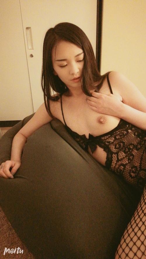 モデル系網タイツ美女の自分撮りヌードとフェラ&ハメ撮り画像 3