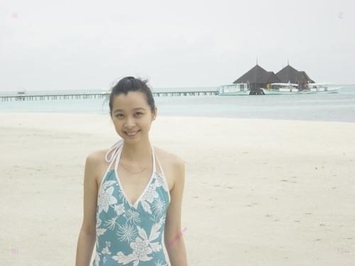 キュートな美人若妻が旅行中に撮影したプライベートヌード流出画像 3