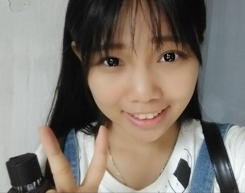 アイドル級の巨乳黒髪美少女の自分撮りヌード画像 1