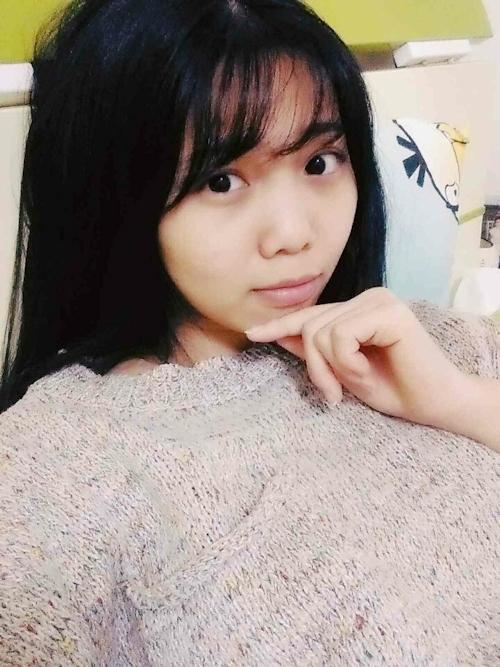 アイドル級の巨乳黒髪美少女の自分撮りヌード画像 2