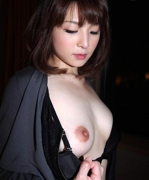 Fカップ美乳な美人若妻の不倫セックス画像 4