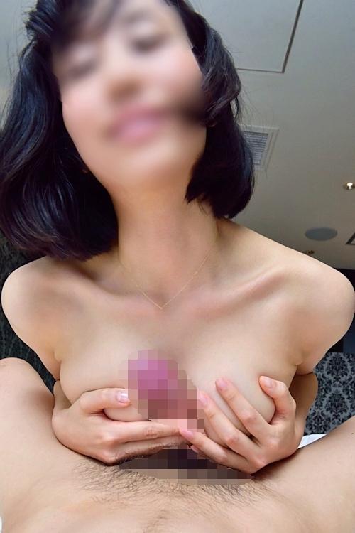 美乳&パイパン素人女性のパイズリ&フェラ&ハメ撮り画像 4
