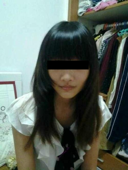 美乳な黒髪美少女のプライベートヌード画像 2