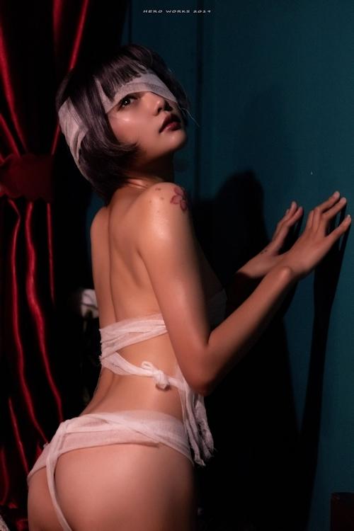 包帯美女のヌード画像 8
