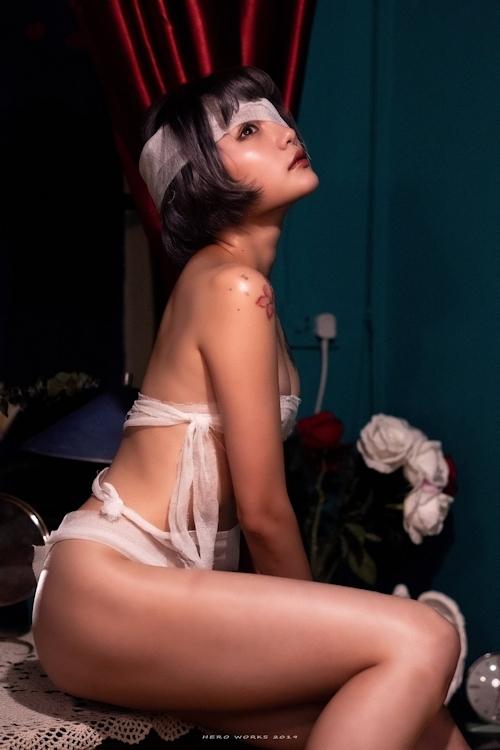包帯美女のヌード画像 10