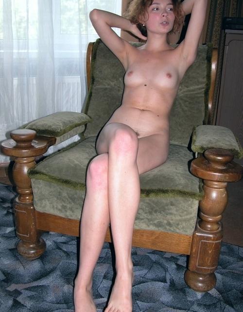 小ぶり美乳おっぱいの西洋美女ヌード画像 2