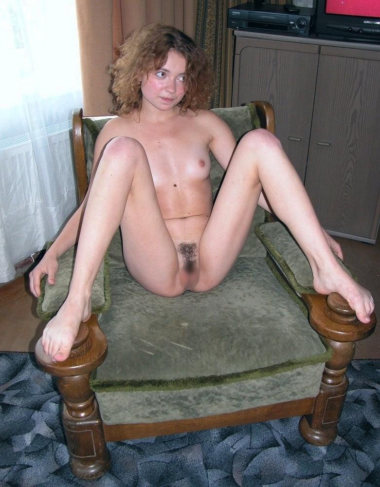 小ぶり美乳おっぱいの西洋美女ヌード画像 13