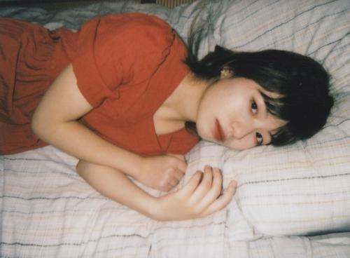 美微乳な素人美女をホテルで撮影したプライベートヌード画像 1