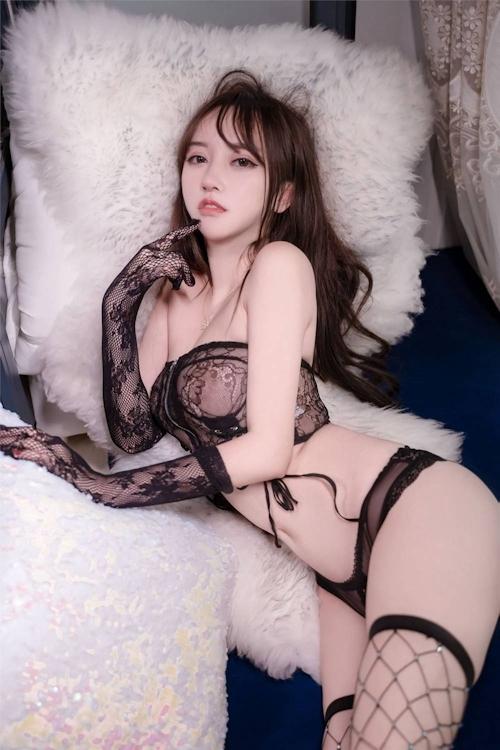 アジアン美女のセクシーランジェリー画像 2