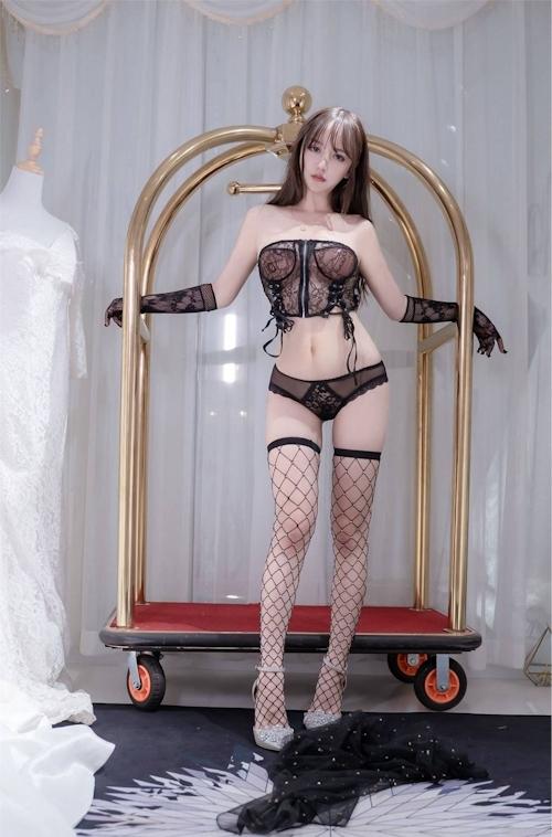 アジアン美女のセクシーランジェリー画像 7
