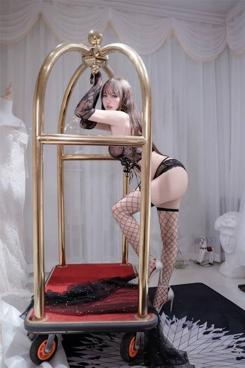 アジアン美女のセクシーランジェリー画像 16