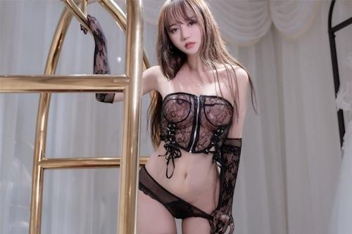 アジアン美女のセクシーランジェリー画像 20