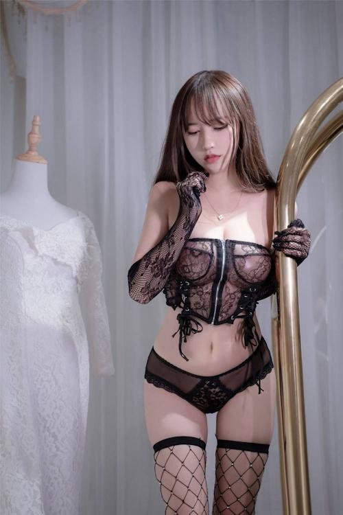 アジアン美女のセクシーランジェリー画像 22