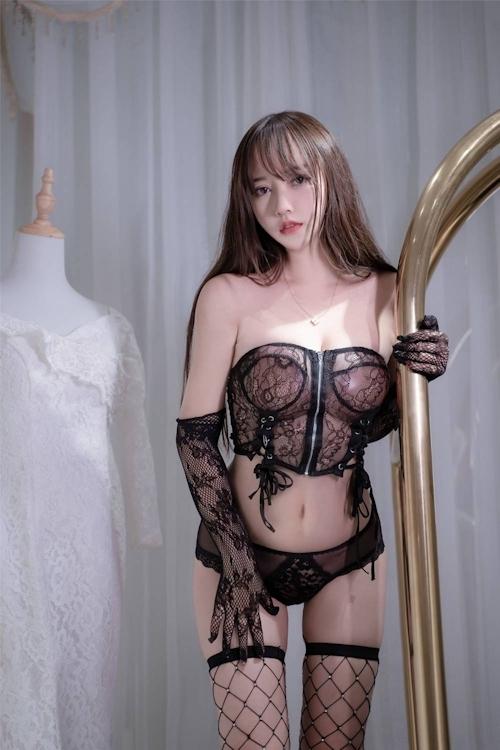 アジアン美女のセクシーランジェリー画像 24