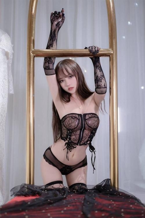 アジアン美女のセクシーランジェリー画像 26