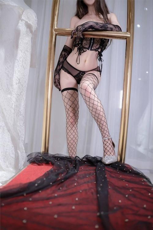 アジアン美女のセクシーランジェリー画像 27