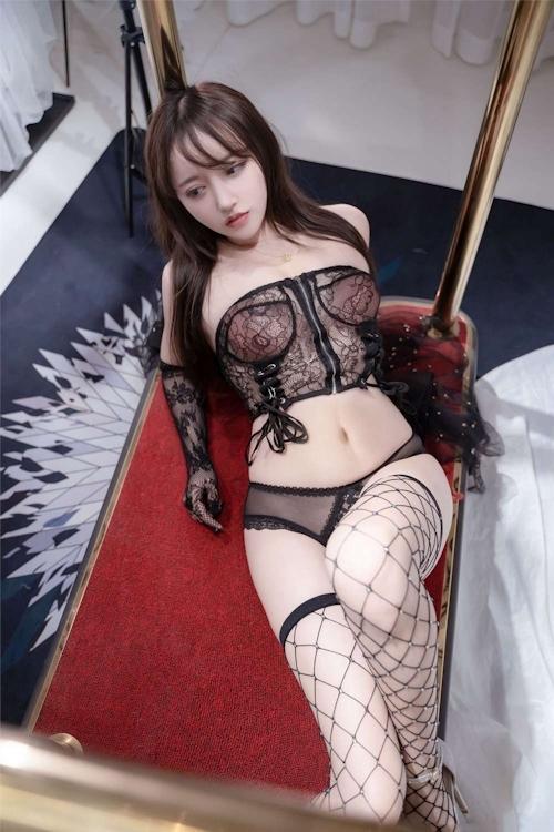 アジアン美女のセクシーランジェリー画像 28