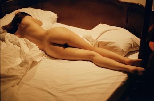 ホテルで撮影した彼女のプライベートヌード画像 7