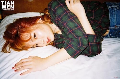 美微乳な10代美少女ギャルをホテルで撮影したヌード画像 1