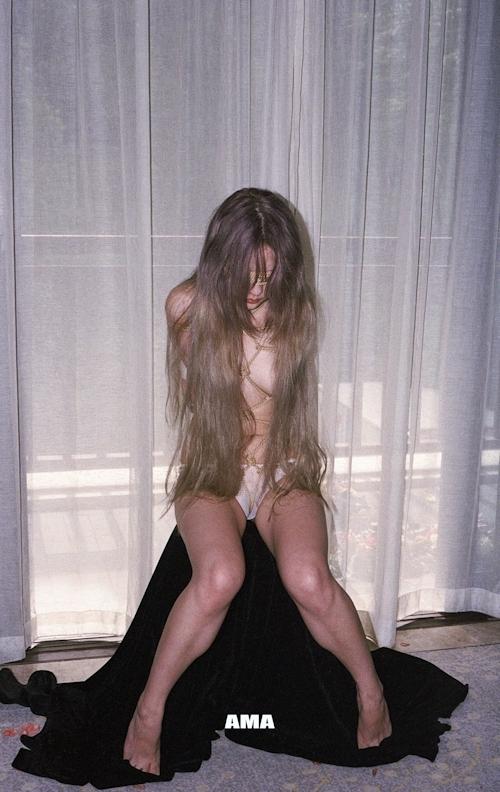 若い女性の緊縛ヌード画像 5