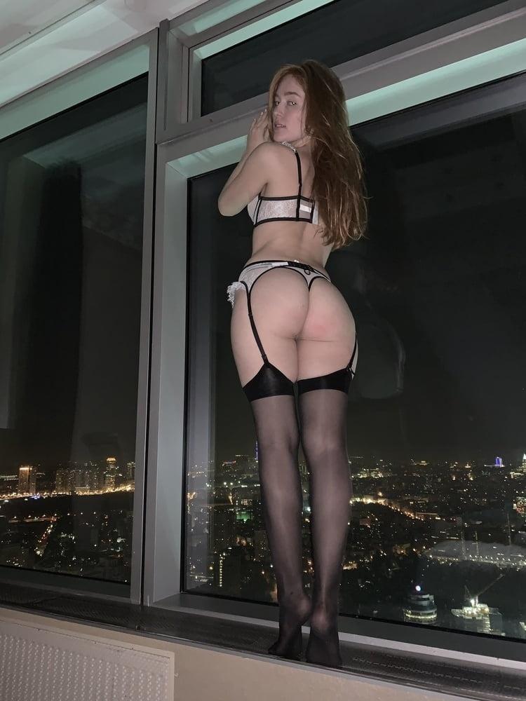 セレブなS級ロシア美女の自分撮りヌード画像 9