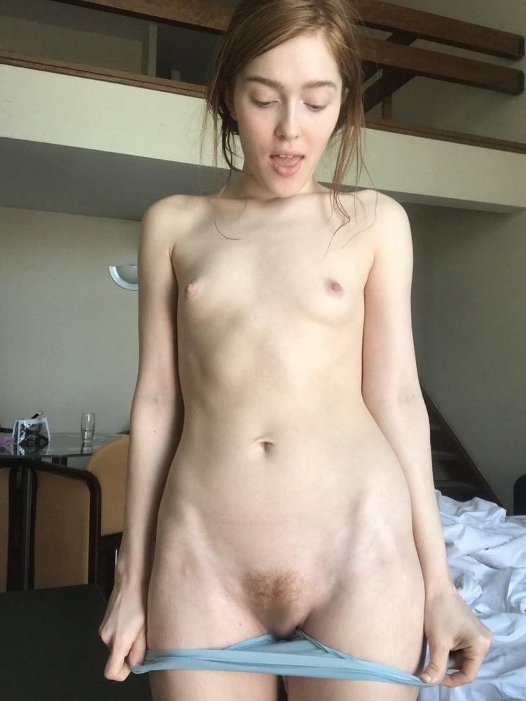 セレブなS級ロシア美女の自分撮りヌード画像 30