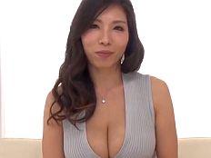 母乳で子育てするHcup巨乳ヤリマン人妻 桑田みのり