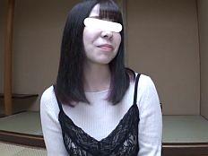 地味顔だけど髪は隠れ紫染のFカップ巨乳シンママ