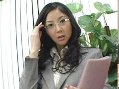 【無修正】立花瞳 無修正動画「アッチも任せて!敏腕社長秘書」 第1話