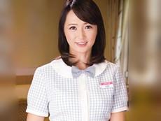 ダイスキ!人妻熟女動画 :ファミレスバイトで知り合った素敵な五十路奥さんのいやらしいカラダを抱く! 安野由美