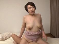 腹回りも隠れる昔ながらの熟女パンツ 昭和を思い出す深履きズロースおばさん 32人8時間