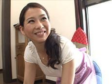 岩下京香 四十路の友母が息子の友人から強引にハメられ、3Pファックに溺れる!