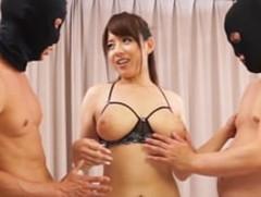 ダイスキ!人妻熟女動画 :エロランジェリーのIカップ巨乳妻が二人の童貞くんを弄ぶ! 三島奈津子