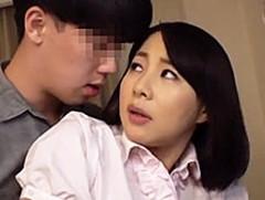 ダイスキ!人妻熟女動画 :義理の息子に抱かれつづけ、ついには身籠ってしまう美熟義母 成宮いろは