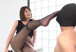 【M男】女臭×足フェチパンスト美脚M男弄り 竹内麻耶1