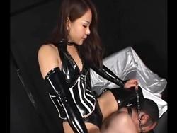 【SM女王様】エナメル光沢 本物女王様に支配される快感1