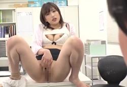 【痴女】セクハラ美人女上司のオマンコ見せつけ誘惑で挑発され玩具にされる…1